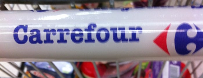 Carrefour is one of Andreaさんのお気に入りスポット.