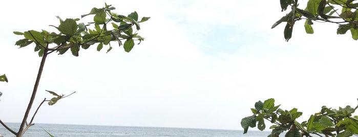 Poy Beach is one of Phuket-Singapore.