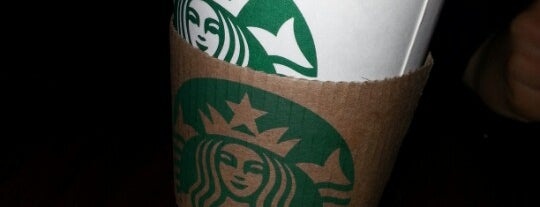 Starbucks is one of Lugares favoritos de Isabella.