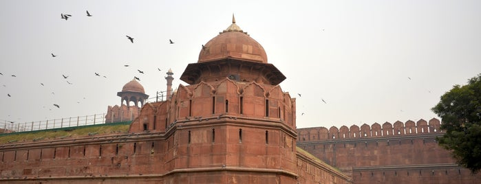 Red Fort | Lal Qila | लाल क़िला | لال قلعہ is one of Locais curtidos por Ali.