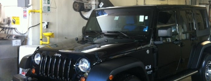Simoniz Car Wash is one of สถานที่ที่ Leia ถูกใจ.
