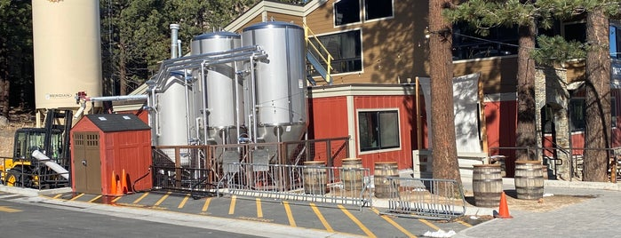 Mammoth Brewing Company is one of Mammooth lake.