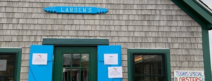 Larsen's Fish Market is one of MV with laz.