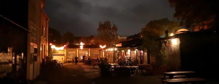 Cafe Woodstock is one of Tempat yang Disimpan Benedek.