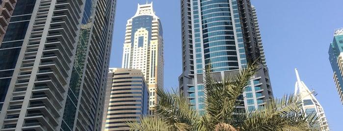 Dubai Marina Walk is one of Tempat yang Disukai Jus.