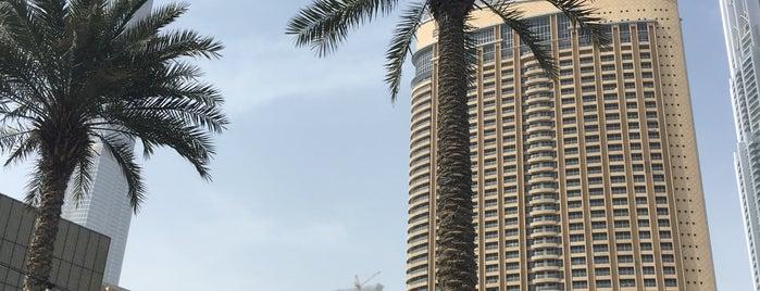 The Dubai Mall is one of Tempat yang Disukai Jus.
