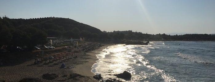 Aptera Beach is one of Tempat yang Disukai Jus.