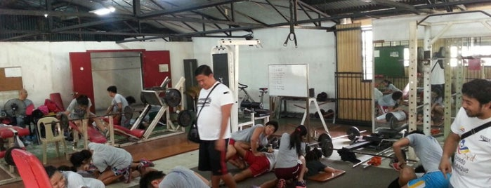 Weights Room is one of Tempat yang Disukai Myka.