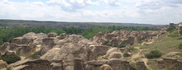 Writing-on-Stone Provincial Park is one of Tempat yang Disukai Rich.
