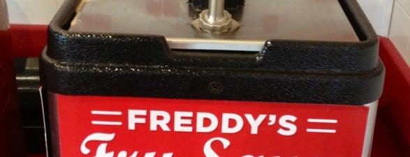 Freddy's Frozen Custard & Steakburgers is one of Lindsey'in Beğendiği Mekanlar.