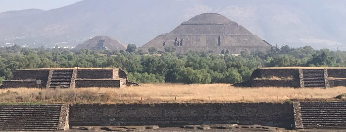 Templo de la Serpiente Emplumada is one of Orte, die Kevin' gefallen.