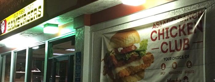 Wendy's is one of Locais curtidos por Alfa.