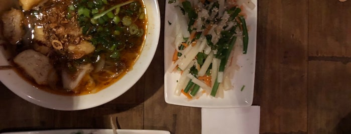 Pho Chiswick is one of Lugares guardados de Eleonora.