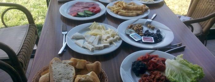 Elit Mola Cafe & Kahvaltı Noktası is one of สถานที่ที่ Duygu ถูกใจ.
