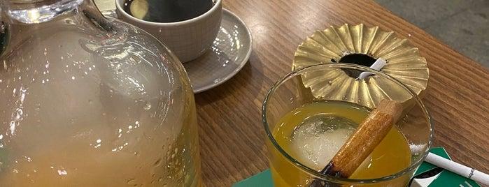 Lou Cafe Bistro is one of Locais curtidos por Duygudyg.