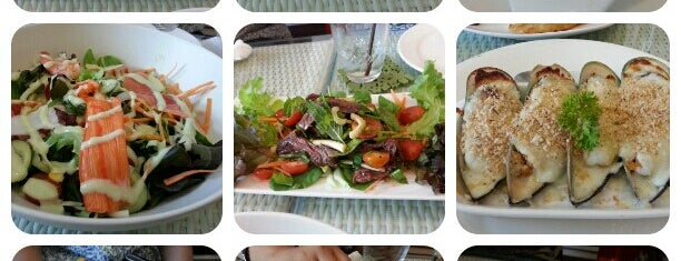 Salad Factory is one of Vegetarian love.