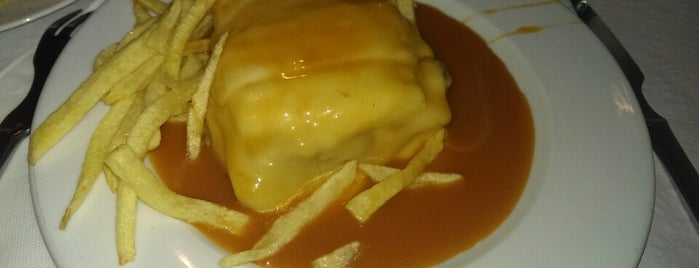 Francesinha Café is one of Porto.