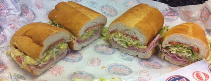 Jersey Mike's Subs is one of สถานที่ที่ Don ถูกใจ.