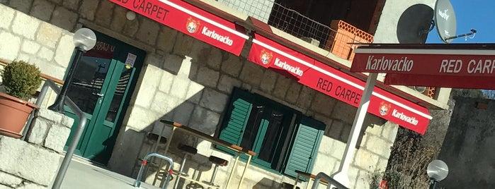 caffe bar Red Carpet is one of william'ın Beğendiği Mekanlar.