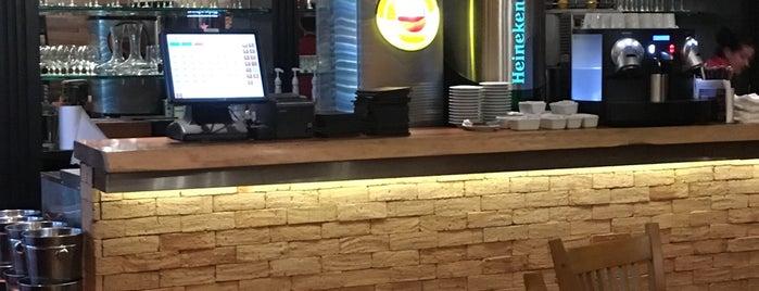 Madero Steak House is one of Guta'nın Beğendiği Mekanlar.