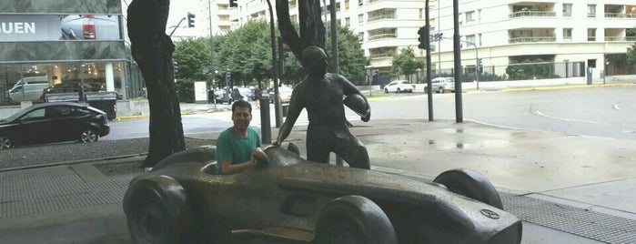 Monumento a Juan Manuel Fangio is one of Alexandraさんの保存済みスポット.