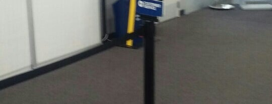 Best Buy is one of Jazzy's Liked Places.