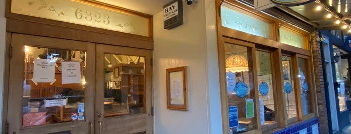 La Farine Boulangerie Patisserie is one of Tempat yang Disukai Dan.