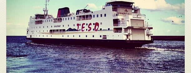 TESO-Veerboot Den Helder → Texel is one of Lugares favoritos de Kevin.