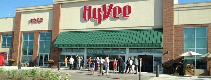 Hy-Vee is one of Lieux qui ont plu à Ryan.