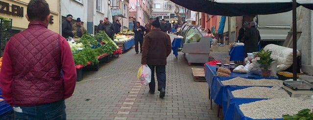 Pazartesi Pazarı is one of Bandırma.