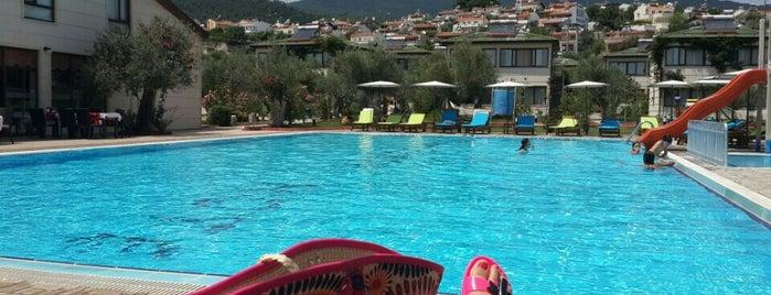 Solar Beach Hotel is one of Tempat yang Disimpan Tolga.