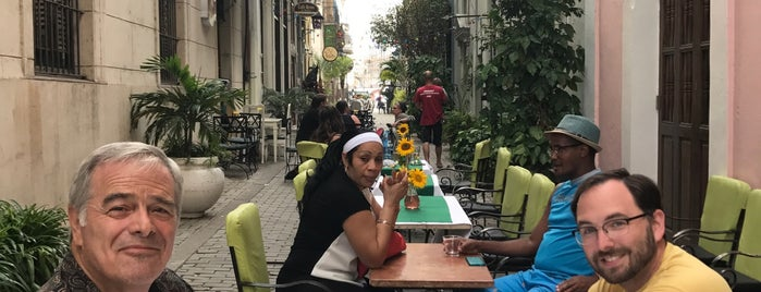 Bar la Farmacia is one of La Habana.