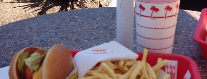 In-N-Out Burger is one of Ivánさんのお気に入りスポット.