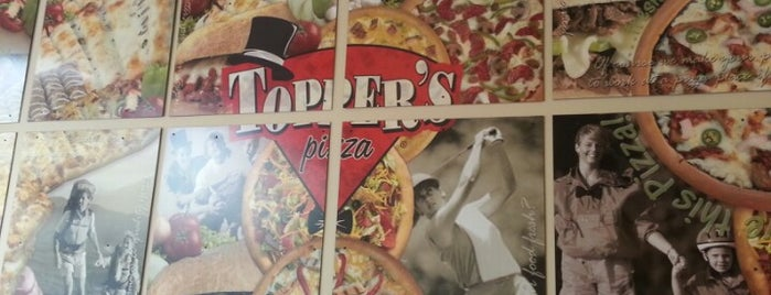 Toppers Pizza is one of Tempat yang Disimpan Candace.