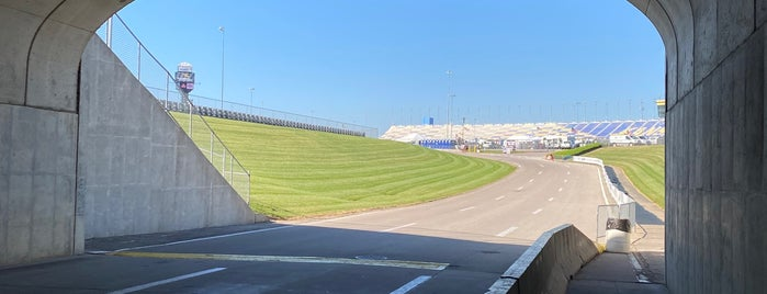 Kansas Speedway is one of Sports Venues.