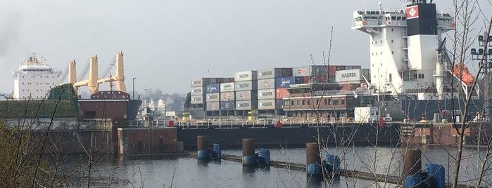 Nord-Ostsee-Kanal is one of Ma'nın Beğendiği Mekanlar.