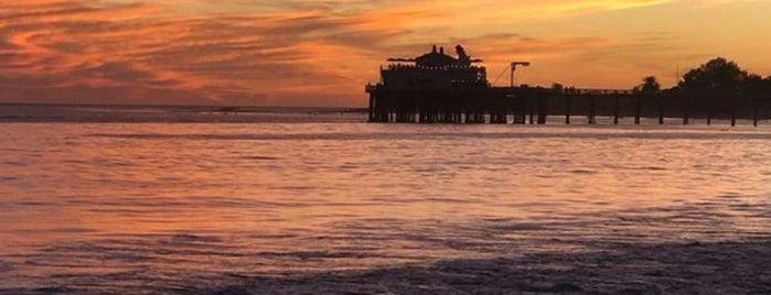 Malibu Beach is one of Lau 님이 좋아한 장소.