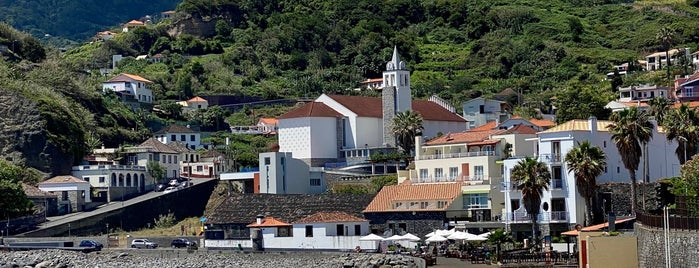 Praia Porto da Cruz is one of MENU: сохраненные места.