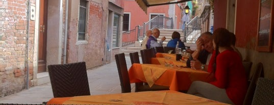 Pizzeria Ae Oche is one of Venice.