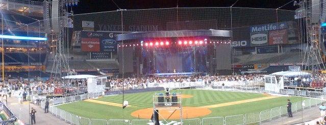 Yankee Stadium is one of Yankee Stadium Winners.