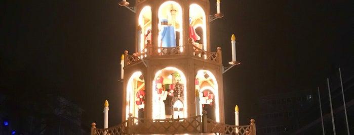 Duisburger Glühweinpyramide is one of Weihnachtsmärkte Ruhr.