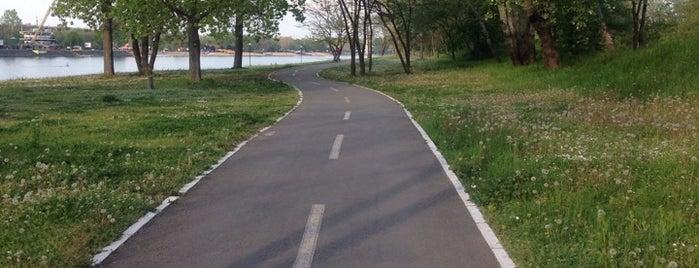 Biciklistička staza is one of Beograd.