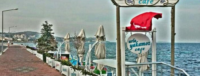 Yakamoz Cafe is one of İzmir.
