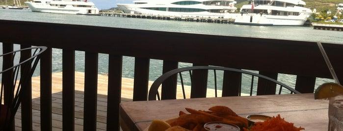 SkipJack Restaurant is one of Tempat yang Disukai Jennifer.