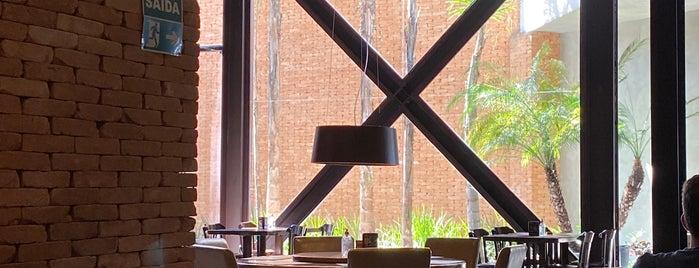 Coco Bambu is one of สถานที่ที่บันทึกไว้ของ Cledson #timbetalab SDV.