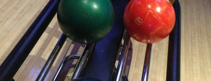 Lucky Strike Lanes is one of south bay beach cities.