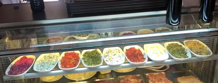 Boşnakoğlu Zeytinlik Restaurant is one of İzmir'de gidilmesi gereken yerler.