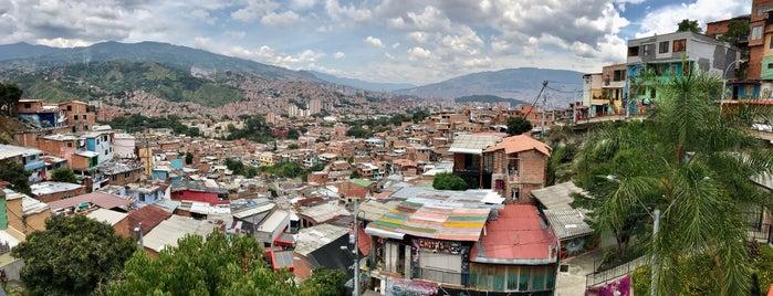 Escaleras Eléctricas Barrio las Independencias is one of Columbia.