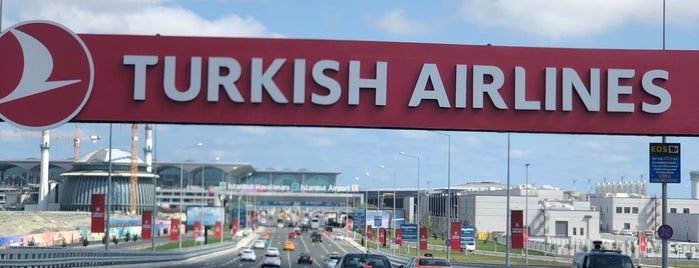 İstanbul Havalimanı (IST) is one of Tempat yang Disukai Yaşam Ve Moda Notlarım.