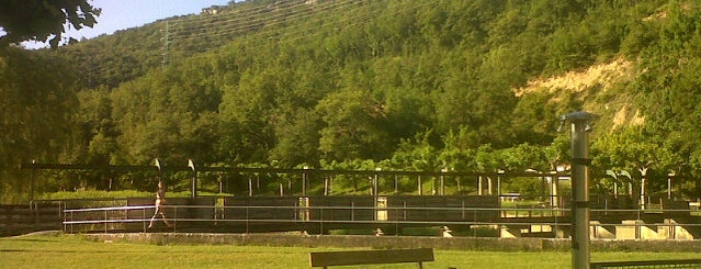 Piscinas Municipales de Arraia-Maeztu is one of Locais curtidos por Andoni.